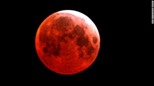 140411163359-01-lunar-eclipse-0414-horizontal-gallery